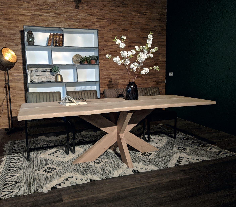 Eiche Tischplatte - Stockholm mit natürlicher Baumkante